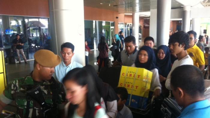 Arus Balik Mudik di Bandara Internasional SMB II Palembang Membludak (Foto)