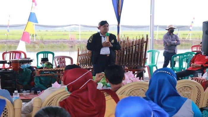 Askolani Beri Nama Mushola di Wisata Kolam Desa Damar Wulan