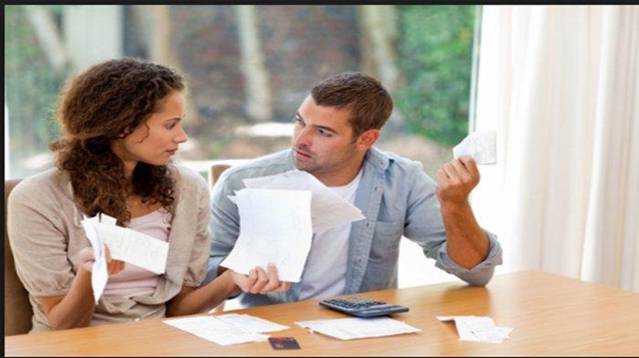 Gaji Istri Lebih Besar, Suami tak Perlu Minder, Simak 3 Sikap Sederhana Ini agar tak Jadi Masalah