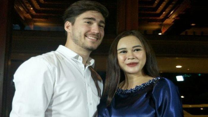 PENYESALAN Aura Kasih Cerai dengan Eryck Amaral, 'Kenapa Sih Lo Ngilang? Kan Ada Anak'