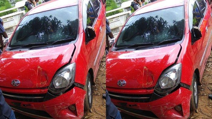 Ayla Merah Diamuk Massa di SMP N 22 Palembang, Diduga Mobil Curian dari Parkiran