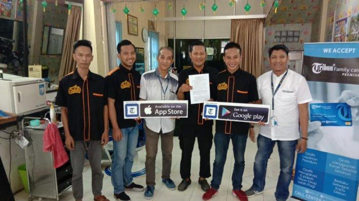 Member TFC Sripo-Tribun Sumsel Bisa Potong Rambut Gratis di Balaputra Barbershop