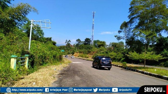 Sejumlah Rambu Pertama Penunjuk Jalan Rusak,  Wisatawan Bingung Saat Keluar Bandara Atung Bungsu
