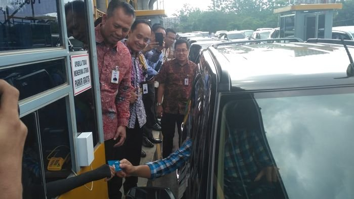 Bayar Parkir Di Bandara Tidak Perlu Repot Cukup Pakai E Money Di Sini Tempat Mendapatkannya Sriwijaya Post