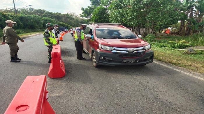 Malam-malam Paksa Melintas di Kotabaru Selatan OKU Timur, Sudah 2 Bus Pariwisata Dipaksa Putar Balik