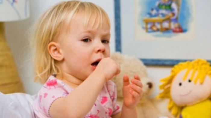 Batuk pilek kerap menyerang anak maupun bayi, apalagi di musim hujan seperti sekarang.