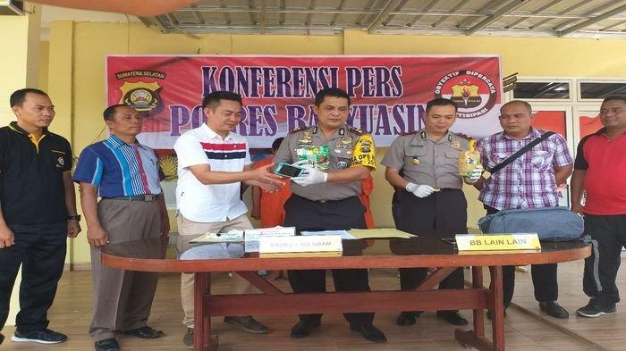 Mengaku Terlilit Hutang, Oknum PNS Kemenkumham Lampung Nekat Jadi Kurir Sabu