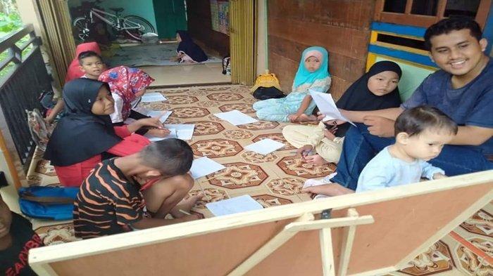 Seorang Guru PNS Dirikan Rumah Belajar di Atas Rawa Kelurahan Ogan Baru Kertapati Palembang