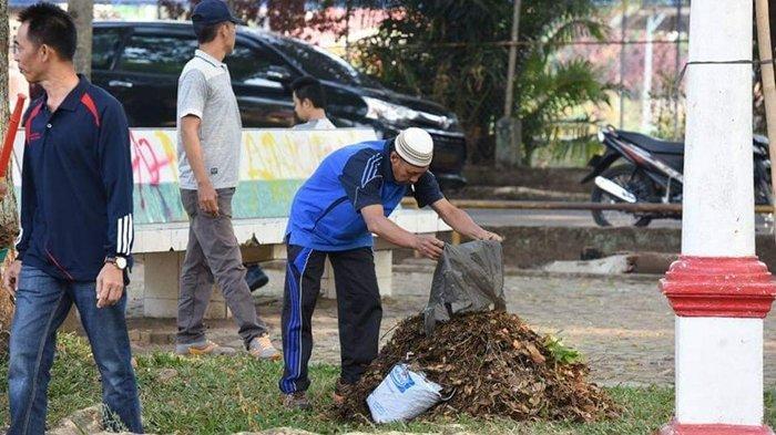 Walikota Pagaralam Kerahkan Ratusan ASN Bersihkan Lapangan Merdeka