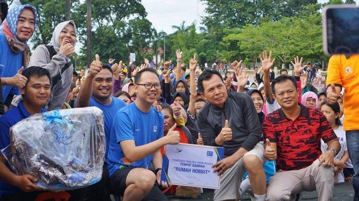 BFI Finance Peduli Lingkungan, Bangun Sarana Kebersihan di Taman Kota Prabujaya Prabumulih