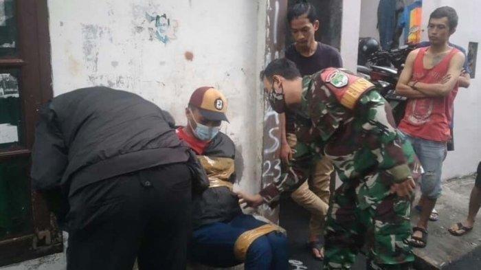 Anggota TNI mengamankan intel polisi yang dituduh maling di Tanah Abang