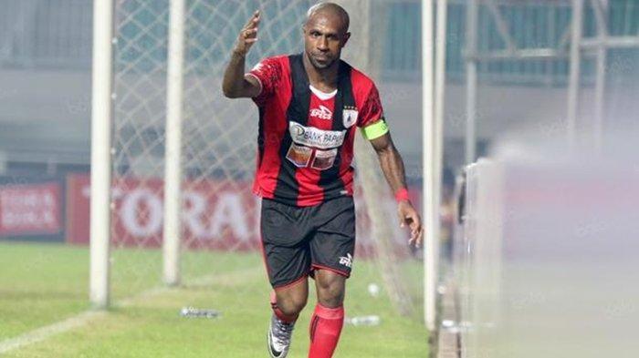 Baru Tiba di Borneo FC, Boaz Solossa Disebut Punya Kans Geser Javlon Guseynov: Jadi Kapten