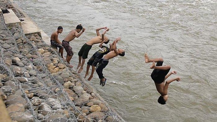 Bronjong dari PTBA Bikin Warga Tanjung Agung Nyaman Beraktivitas di Sungai Enim, Cocok untuk Selfie