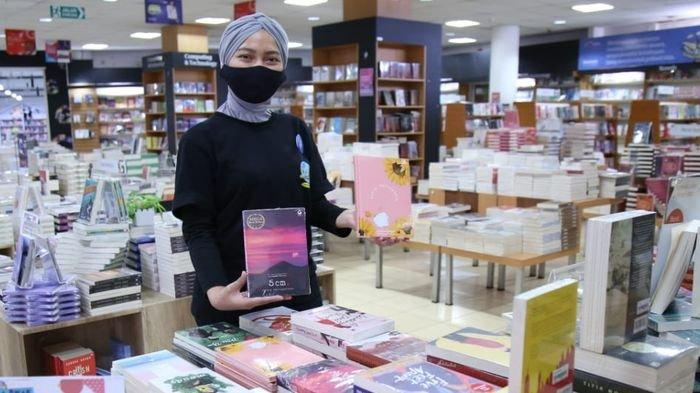 Toko Buku Gramedia Palembang Tawarkan Diskon Hingga Harga Spesial Buku Rp 10 000 Sriwijaya Post