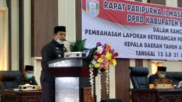 Bupati Banyuasin H Askolani Sampaikan Capaian Berbagai Target Pembangunan Daerah di Paripurna LKPJ
