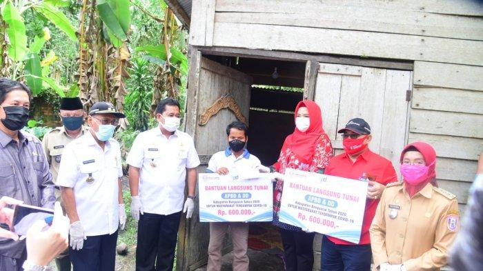 Resmi Launching Penyaluran Bantuan BLT, Bupati Banyuasin Pastikan Masyarakat mendapatkan Haknya