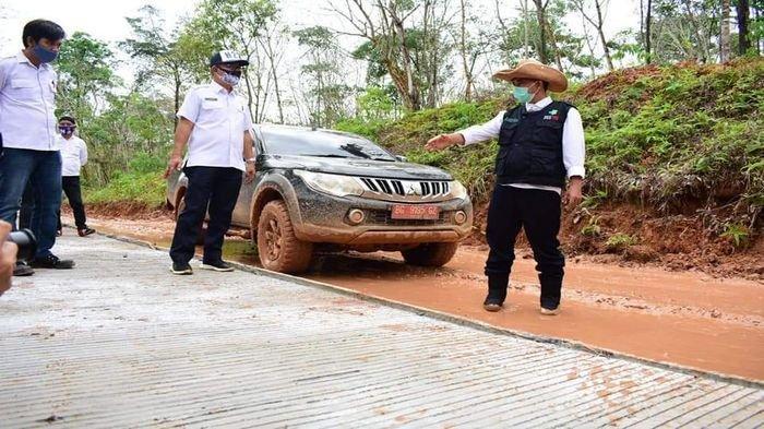 Bupati Musirawas Tinjau Progres Pembangunan Jalan SP 9 - Simpang Stasiun Jene
