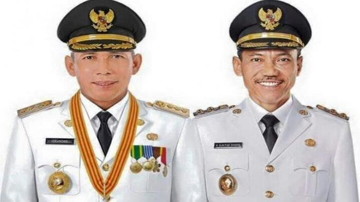 Bupati dan Wakil Bupati OKI Resmi DIlantik Gubernur Sumsel Herman Deru di Griya Agung Palembang