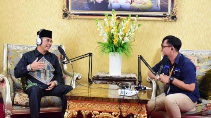 Ngartis Bareng Bupati Musirawas H Hendra Gunawan, Spesial Pakai Batik Musirawas untuk Tribunners