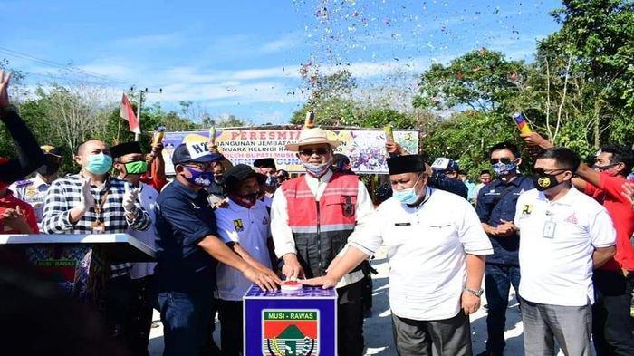 Selesai Dalam 85 Hari, Bupati Musirawas H Hendra Gunawan Resmikan Jembatan Pengalihan Muara Kelingi