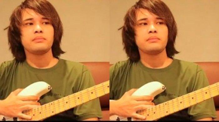 Nekat Lelang Gitar Warisan sang Ayah, Anak Mendiang Deddy Dores Butuh Biaya Berobat sang Ibunda