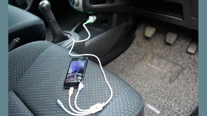 Mengapa Cas Baterai Handphone pada Colokan Mobil Tidak Dianjurkan?