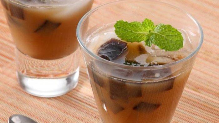 Woow Betapa Nikmatnya Buka Puasa dengan Es Coklat Cincau Kelapa Muda, Ini Resepnya