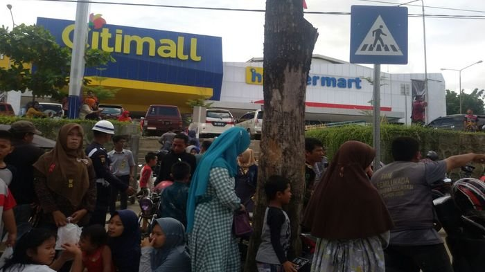 Hari Pertama Tahun 2018, Citimall Baturaja Ramai Dikunjungi Warga Kabupaten Tetangga