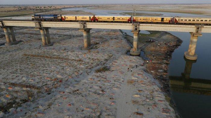 MIRIS, Ratusan Jenazah Covid 19 Dikubur Seadanya, Pinggiran Sungai di India Jadi Kuburan Massal