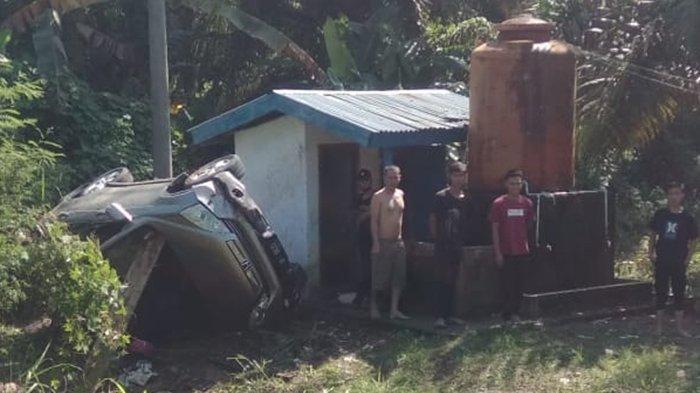 Kecelakaan di Muratara, Mobil Honda CR-V Pelat Jakarta Terbalik di Jalinsum, Penghuninya Pasutri