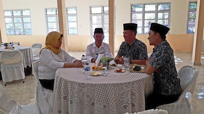 Meski Bersaing, 2 Paslon Ini Tetap Akrab Sebelum Ikuti Debat Kandidat Pilwako Pagaralam