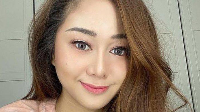 Denise Chariesta Belum Puas, Kini Usik Agnez Mo, Rival Dewi Perssik Sombong Berani Begini: Prestasi