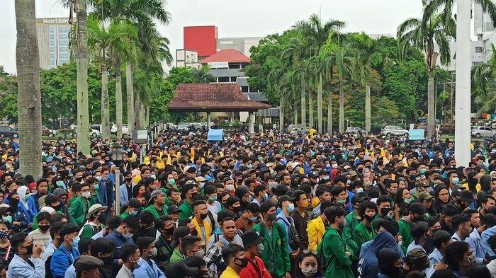 Ketua DPRD Sumsel di Tengah Demo Omnibus Law Ternyata Sudah Dikontak tapi tak Dijawab, Mungkin Sibuk