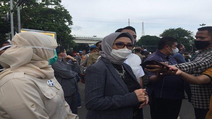Akhirnya Ketua DPRD Sumsel Anita Noeringhati Temui Peserta Aksi Demo Penolakan UU Cipta Kerja