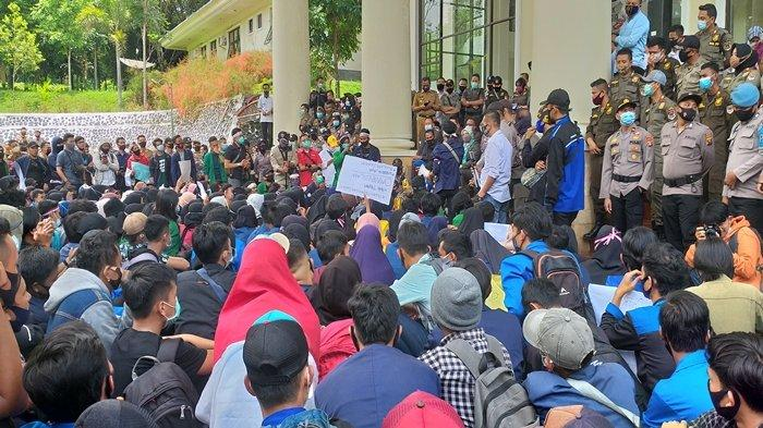 Takut Dipolitisasi, DPRD Pagaralam Tak Ucapkan Deklarasi Penolakan UU Cipta Kerja di Depan Pendemo