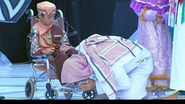 Dengar Syekh Ali Jaber Wafat, Hafiz Cilik yang Kakinya Pernah Dicium Nangis Sesenggukan,Hatinya Pilu