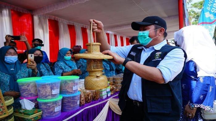Gubernur Sumsel Herman Deru Launching Produk UKM dan PKM Universitas Musi Rawas
