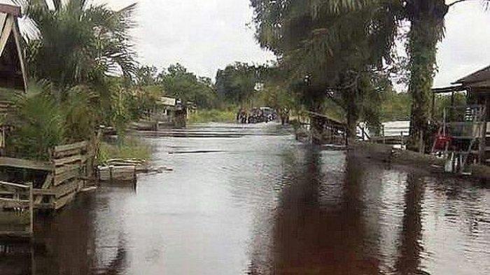 Curah Hujan Tinggi, Kecamatan Karangdapo dan Rawasilir Mulai Banjir