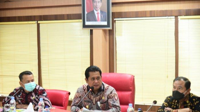 Kementerian Lingkungan Hidup dan Kehutanan RI, melalui Pusat Pengendalian Pembangunan Ekoregion Sumatera, melakukan sosialisasi Rencana Perlindungan dan Pengelolaan Lingkungan Hidup (RPPLH) di Kabupaten Banyuasin. Kegiatan tersebut  dibuka langsung Bupati H.Askolani yang dilaksanakan di ruang rapat Bupati Banyuasin, kamis (18/2/2021).