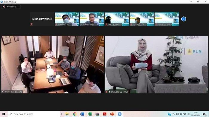 Direktur Bisnis Regional Sumatera dan Kalimantan Wiluyo Kusdwiharto, pada cara yang dilaksanakan secara virtual melalui platform Zoom ini disambut dengan baik oleh segenap insan PLN khususnya di Regional Sumatera dan Kalimantan.