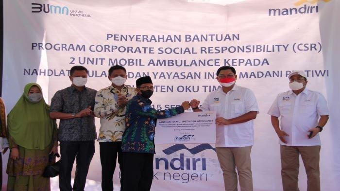Bank Mandiri Salurkan KUR untuk Supplier dan Bantuan CSR Ambulans untuk Masyarakat OKU Timur