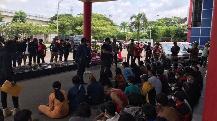 'ADA Polisi Bunyikan Petasan,' KODE Bandar untuk Kabur: Kampung Narkoba 'Dibentengi' CCTV