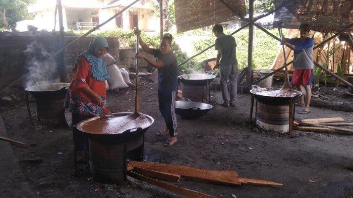 Produksi Dodol Durian di Tanjung Lubuk Ogan Ilir, Meningkat Tiga Kali Lipat Jelang Lebaran