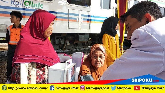 Rail Clinic Kereta Api Siap Berikan Layanan Kesehatan Masyarakat Keramasan