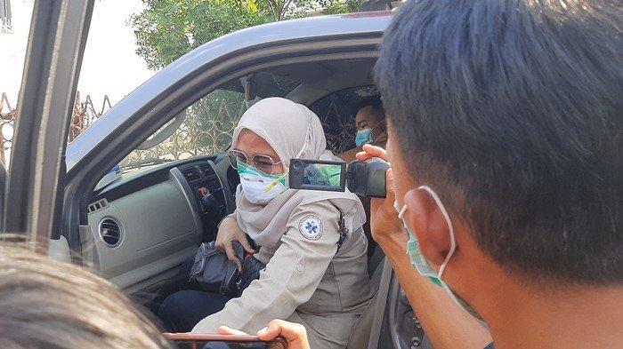 30 MENIT Rawat Heriyanti, Tim Medis Tinggalkan Rumah Kasus Dana Hibah Rp 2 Triliun: