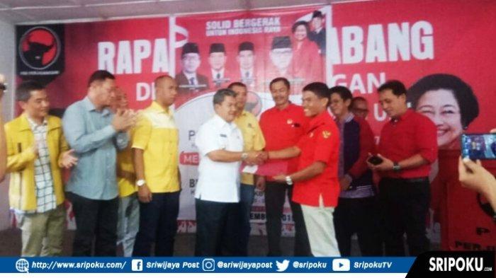 Balon Bupati OKU Drs Johan Anuar Resmi Mendaftar ke Partai PDIP
