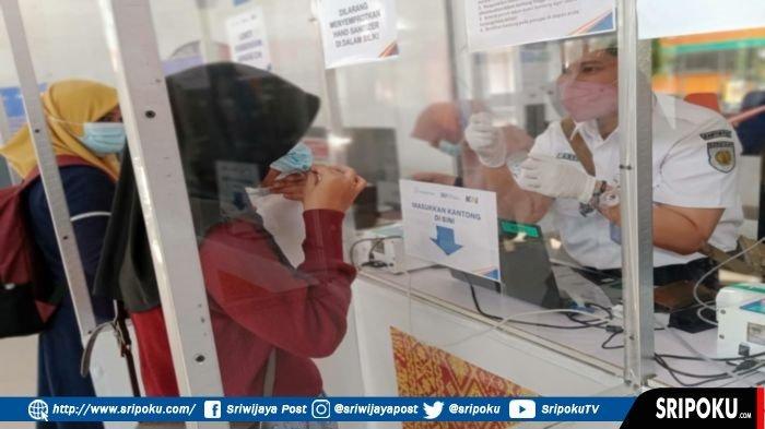 Calon Penumpang Kereta Api Wajib Menunjukkan Kartu Vaksin dan Hasil Negatif Tes RT-PCR atau Antigen