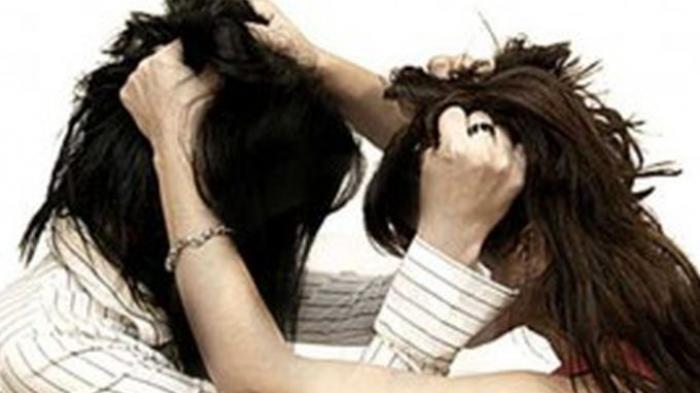 Diawali Cekcok Mulut, 3 Warga 2 Ulu Palembang yang Masih Tetangga Ini Saling Jambak Rambut dan Cakar