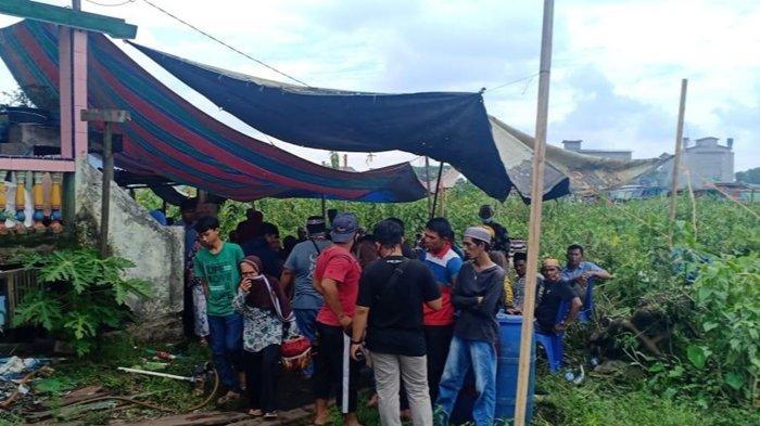 Rumah duka korban penusukan di Jalan PSI Kenayan, Kelurahan Karang Anyar, Gandus Palembang