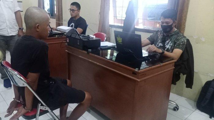 Subuh-subuh Polisi Gerebek Rumah Pengedar Ganja di Wisata Danau Ranau, Ada Biji Ganja di Lemari